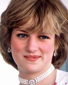 Princess Diana Wedding, Princess Diana Fashion, Princess Diana Pictures, Princess Of Wales, Princes Diana, Royal Tiaras, Lady Diana Spencer, Asian Makeup, Thats The Way