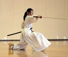Female Martial Artists, Martial Arts Women, Kendo, Aikido, Sword Poses, Katana Girl, Bushido, Female Samurai, Japanese Warrior