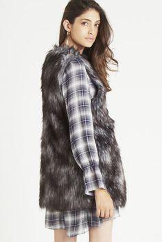 Shell Collar Faux-Fur Vest