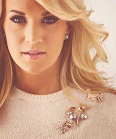 Carrie Underwood, beautiful eyes...