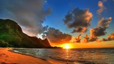 Kauai Vacation Rentals & Luxury Homes Rentals. We are committed to excellence in the luxury vacation rental business on the beautiful Island of Kauai. Our mission is to give you a vacation experience that exceeds your expectations. Strand Wallpaper, Sunset Wallpaper, Hd Wallpaper, Nature Wallpaper, Mountain Wallpaper, Wallpaper Pictures, Wallpaper Maker, Windows Wallpaper, Tropical Wallpaper