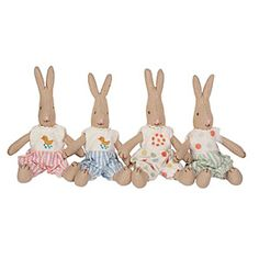 Easter DECOR!    No need for words or explanations...these are simply the cutest and most beautiful Easter decorations we have ever seen. O...