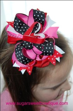 V-Day layered bow - i like the heart in the middle of a layered bow
