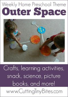 Fun outer space preschool theme for kids. Crafts science math literacy picture books snacks and more! Perfect amount of activities for one week of homeschool pre-k. Space Theme Preschool, Space Activities For Kids, Preschool At Home, Preschool Science, Science Experiments Kids, Preschool Learning, Preschool Schedule, Kid Science, Preschool Lessons