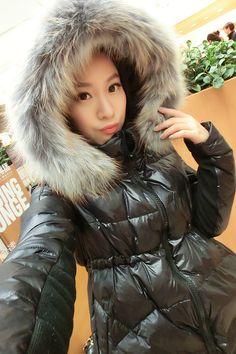 Winter Fur Coats, Hooded Winter Coat, Down Puffer Coat, Down Coat, Asian Woman, Asian Girl, Moncler Jacket Women, Winter Suit, Elegantes Outfit