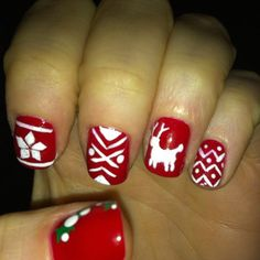 Zooey Deshanel's christmas sweater nails