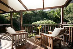 HOUT BAY HIDEAWAY, Hout Bay Accommodation Cape Town - This luxurious retreat boasts comfort and pleasure in a unique sophisticated atmosphere. Each private, spacious apartment has access to the wild garden and salt water swimming pool.