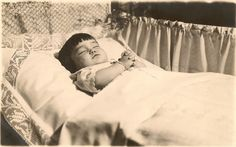 Post Mortem Photography: Girl with rosary by Antique Photo Album, via Flickr