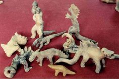 In the first half of the last century goes Julsrud, German merchant, famous for the fact that for nearly two decades was found in Mexico near Acambaro strange Real Dinosaur, Dinosaur Art, Vampires, Sculpture Clay, Sculptures, Unexplained Pictures, Out Of Place Artifacts, Archaeological Discoveries, Ancient Mysteries