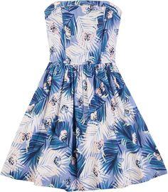 Das trägerlose Kleid DANI von Hilfiger Denim überzeugt durch das schöne sommerliche Muster. Der leicht ausgestellte Rock und die enganliegende Brustpartie zaubern einen süßen Look.100% Baumwolle...