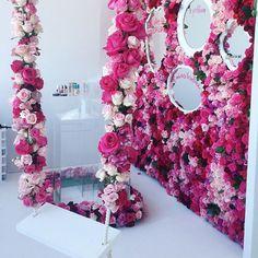 Floral explosion by designlovefest Nail Salon Design, Nail Salon Decor, Salon Interior Design, Makeup Studio Decor, Beauty Room Salon, Beauty Room Decor, Nail Room, Boutique Decor, Photoshoot Themes