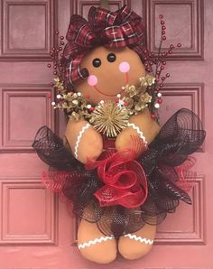 Best 12 Gingerbread Girl Wreath Christmas Wreath by EnchantedbyRenee on Etsy – SkillOfKing. Etsy Christmas, Christmas Gingerbread, Christmas Fun, Xmas, Christmas Ornaments, Christmas Mesh Wreaths, Christmas Door Decorations, Holiday Crafts, Holiday Decor