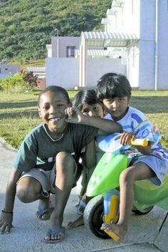 Children from Bambous, Mauritius Beautiful Islands, Beautiful World, Beautiful People, Children In Africa, Mauritius Island, Baby Eyes, Cultural Experience, Island Nations, Amazing Destinations