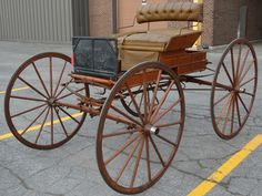 Horse-drawn run-about carriage made by P. Biron from Sherbrooke, QC