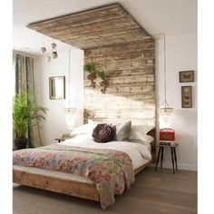 wooden pallets bed frame~~I love wooden pallets!