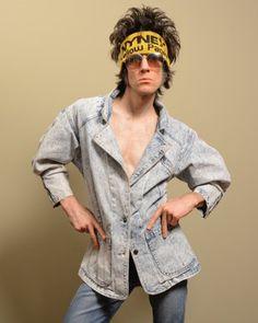 Vintage 1980s acid washed denim jean jacket. Size small/medium.