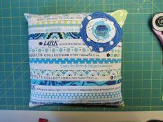 Pinkadot Quilts: February 2012 Selvedge pin cushion tutorial