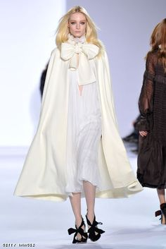 Chloe: Runway - Paris Fashion Week Fall/Winter 2012