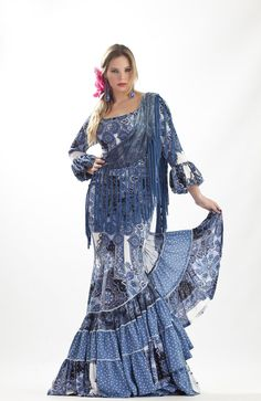 Flamenco Fashion by Ángeles Verano Flamenco Costume, Crazy Eyes, Spanish Fashion, Boho Gypsy, Boho Dress, Costumes, Coups, Hair, Outfits