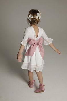 Resultado de imagen de vestido niña boda invierno