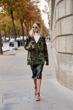 The Best Street Style Looks from Paris Fashion Week Best Street Style, Spring Street Style, Cool Street Fashion, Street Style Looks, Look Fashion, Street Styles, Street Chic, Fashion Outfits, Fashion Trends