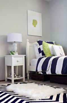 Guest room LOVE!!!! navy blue, white & a pop of lime green. love. I will HAVE a room in these colors