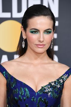 Top Makeup Trends 2019 - Makeup Trends to Try in 2019 InStylecom beauty trends green springs - Beauty Trends 2019 Camilla Belle, Latest Makeup Trends, Beauty Trends, Eye Trends, Latest Trends, Looks Gigi Hadid, Belle Makeup, Makeup For Green Eyes, Green Eyeshadow