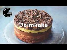 Denne kaken må du prøve hvis du er glad i daim. Her viser jeg deg hvordan. Tiramisu, Baking, Ethnic Recipes, Desserts, Food, Caramel, Tailgate Desserts, Deserts, Bakken
