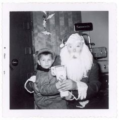 Disturbing Santa Photos...