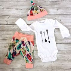 Love this sweet little girl outfit! How cute is the floral.