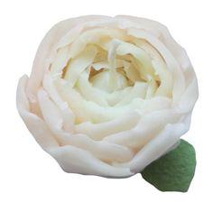 大好きなシャクヤク 咲き出したころのふわふわ感が優しい花びら一枚一枚をはり付けながらふんわり感が出るように作ってみました。内側はホワイト&外はライトピンクで包...|ハンドメイド、手作り、手仕事品の通販・販売・購入ならCreema。