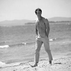 • | Jean-Paul Belmondo | •