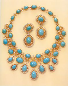 CARTIER,diamond and turquoise parure. In 1980 a fabulous collection of jewels were sold from the estate of Lady Lydia Deterding. The sale included numerous signed pieces by Cartier and three major jewels of Russian imperial origin. She was born in Tashken Royal Jewelry, Gems Jewelry, Bling Jewelry, Jewelry Sets, Gold Jewellery, Cartier Jewelry, Antique Jewelry, Vintage Jewelry, Cartier Necklace