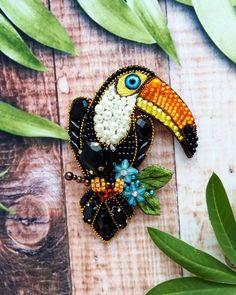 Добрый день мои чудесные 🌸 сегодня вашему вниманию новый красавец 😍 выполнен специально на заказ, гость из топиков, Тукан🤗 все таки поражаюсь, какие тропические птицы необычные и красивые, каких только нет😉 Под заказ #брошь #брошьизбисера #брошьручнойработы #брошьвподарок #вышивкабисером #тропики #тропическиептицы #тукан #брошьтукан #туканброшь #брошьптица #авторскаяброшь #пернатые #стильноеукрашение #брошечка #тренд2018 #лето2018 #handmade #handworks #brooches #assecories #broochbird Beaded Jewelry Designs, Handmade Beaded Jewelry, Brooches Handmade, Hand Embroidery Patterns, Beaded Embroidery, Bead Crafts, Jewelry Crafts, Foto T Shirt, Bead Embroidery Jewelry