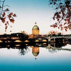De lautre côte de la Garonne- Toulouse- France