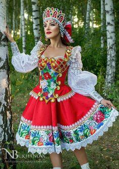 Russian Beauty, Russian Fashion, Folk Costume, Costume Dress, Carnival Costumes, Dance Costumes, Disfraz Wonder Woman, Russia Culture, Color Guard Costumes