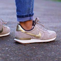 timeless design c4de6 248e3 Nike Dress Shoes, Gold Nike Shoes, Nike Gold, Metallic Sneakers, Suede  Sneakers