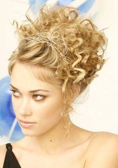 http://www.weddingnwedding.com/wp-content/uploads/2012/01/wedding-hairstyles-for-medium-hair.jpg