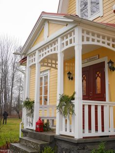 Roof Cap, Swedish Cottage, Cabana, Cabin Porches, Country Style, Tiny House, Building A House, Entrance, Sweet Home