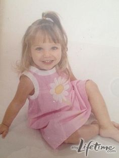 Dance Moms little Maddie. She is soooooo adorable in that picture!!!!!!