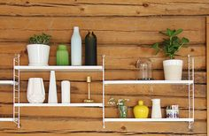 Pinjacolada: String shelves mounted