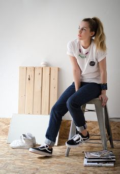 White tee, jeans, & Old Skools. Instant classic.