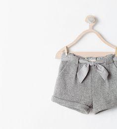 pantalón corto gris perla