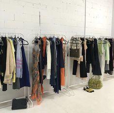 Fashion Schools In Nyc, Student Fashion, School Fashion, 90s Fashion, World Of Fashion, Runway Fashion, Fashion Models, High Fashion, Fashion Outfits