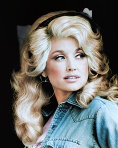Dolly Parton (ca. Country Music Artists, Country Singers, 80s Country, Dolly Parton Young, Dolly Parton Kids, Dolly Parton Costume, Dolly Parton No Makeup, Dolly Parton Pictures, Def Not