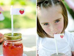 Strawbeery party- juice in mason jars