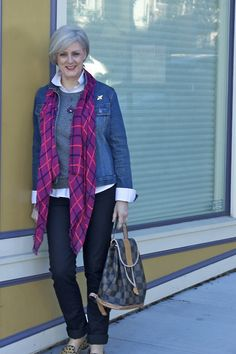 monday, monday/style at a certain age Mature Women Fashion, Over 50 Womens Fashion, 50 Fashion, Winter Fashion, Fashion Outfits, Unique Fashion, Fashion Ideas, Fashion Over Fifty, Looks Jeans