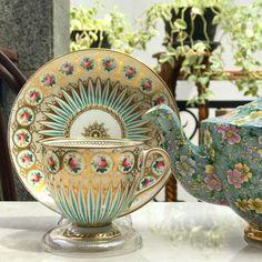 #goodmorning #morningtea #vintageteacup #teacups #teapot #teaparty #vintageteacups #teacup #vintageteapot #antiqueteapot #teaset #vintageteaset #collectorsitem #vintagecollector #hightea #highend #antiqueteapot #oldteapot #england #vintageteapot #teapotlovers #teacuplovers #vintageteacup #oldteapot #bonechina #antiqueporcelain #englandporcelain #teatime #homedecor #hightea #antique #harmony