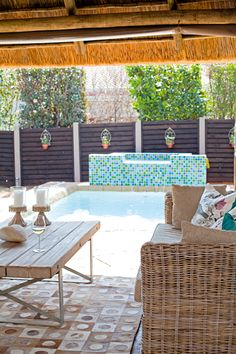 Fence idea for pallets Outdoor Furniture Sets, Decor, Furniture, Outdoor Decor, House, Outdoor Living, New Homes, Outdoor Furniture, Home Decor