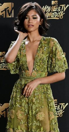 Zendaya Coleman at the MTV awards 2017 red carpet Mode Zendaya, Zendaya Style, Zendaya Dress, Zendaya Maree Stoermer Coleman, Red Carpet Looks, Celebs, Celebrities, Look Fashion, Celebrity Style